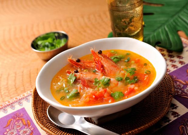 香辛料で本格的!!お家で簡単に作れるトムヤムクンのレシピ5選のサムネイル画像
