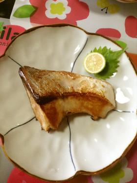 今夜は洋風それとも和風?箸がすすむぶりの切り身の人気レシピ5選のサムネイル画像