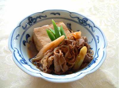 肉のうまみが豆腐に染み染み!ご飯に合う人気の肉豆腐レシピ集のサムネイル画像
