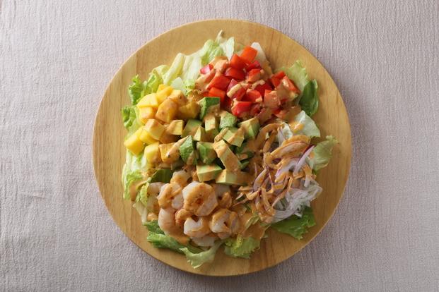ごろごろ食感がおいしい!見た目もおしゃれなコブサラダレシピ5選のサムネイル画像