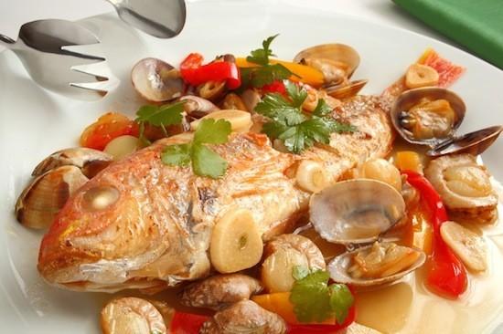 魚介出汁が美味しい!ボリューム満点アクアパッツァレシピ5選!!のサムネイル画像