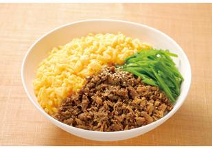 個性が際立つ料理と言えば?絶品三色丼のおすすめレシピ厳選5品のサムネイル画像