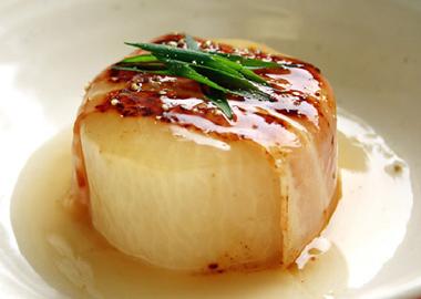 煮ても焼いても美味しい!とろ~り柔らか大根の簡単レシピ5選のサムネイル画像