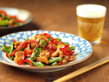 赤ピーマンを使って食卓を華やかに!美味しいおすすめレシピ5選のサムネイル画像