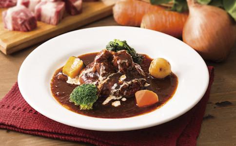 寒い日にぴったり!温まるビーフシチューレシピを紹介します!のサムネイル画像