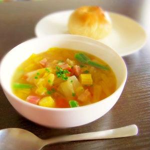 寒い朝にオススメ!簡単にささっと作れる、温かい汁物レシピまとめのサムネイル画像