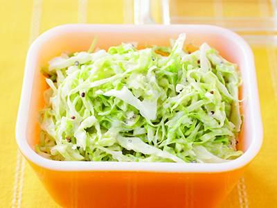 キャベツたっぷり!コールスローサラダの簡単レシピをご紹介しますのサムネイル画像