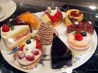 手作りケーキに挑戦!意外と簡単!?定番ケーキの作り方まとめのサムネイル画像