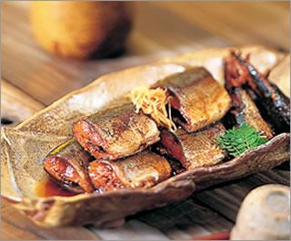圧力鍋で骨までやわらか!圧力鍋で煮るおすすめさんまレシピのサムネイル画像