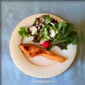 秋は生鮭のおいしい人気レシピ!厳選!人気の生鮭レシピ5選紹介!のサムネイル画像