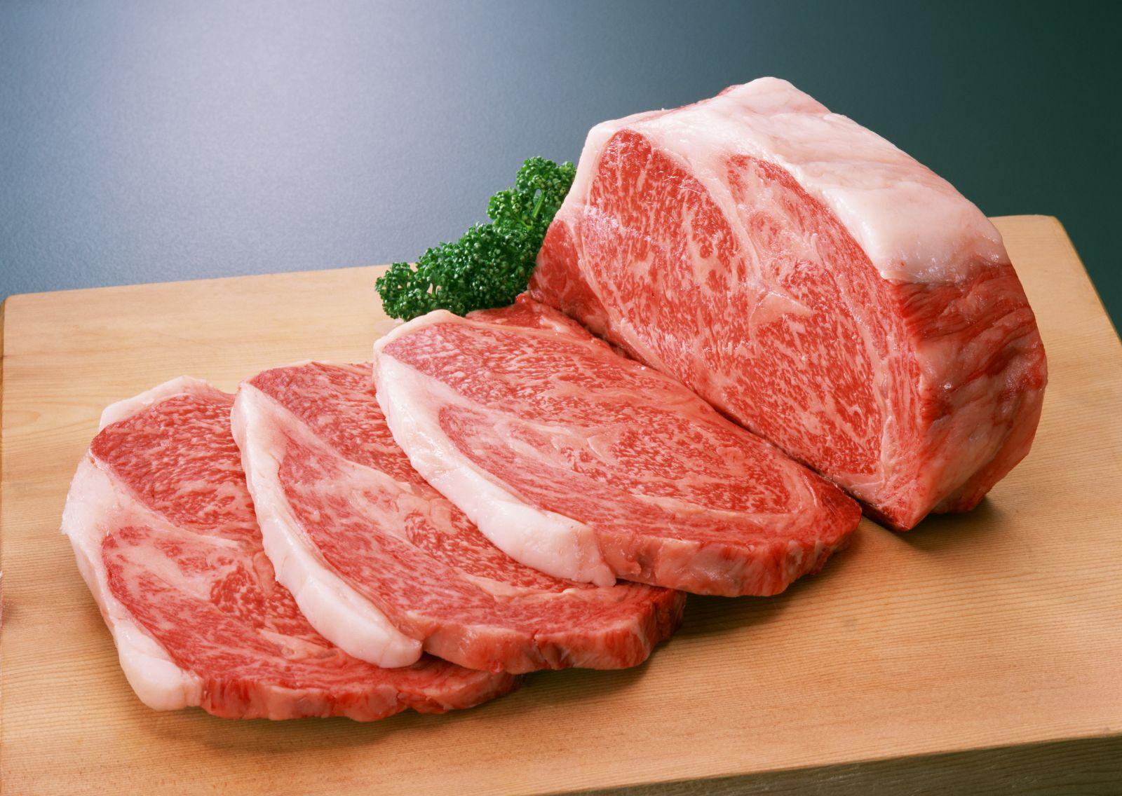 男の人大好き!がっつり牛肉ボリューム満点の人気レシピ紹介のサムネイル画像