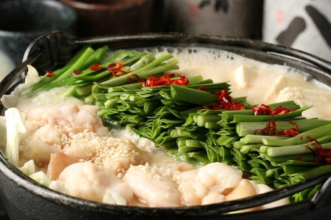冬はやっぱりあったかい鍋!絶品もつ鍋の作り方教えちゃいます♪のサムネイル画像