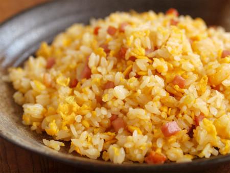 これで美味しい炒飯が!美味しい炒飯のレシピと作り方をご紹介!のサムネイル画像