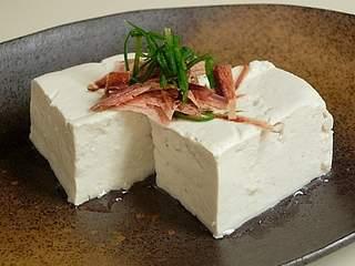 美肌効果も!ダイエットにぴったりな豆腐の人気レシピまとめのサムネイル画像